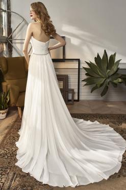 18-19 Beautiful by Enzoani, trouwjurk, bruidsjurk, bruidsmode