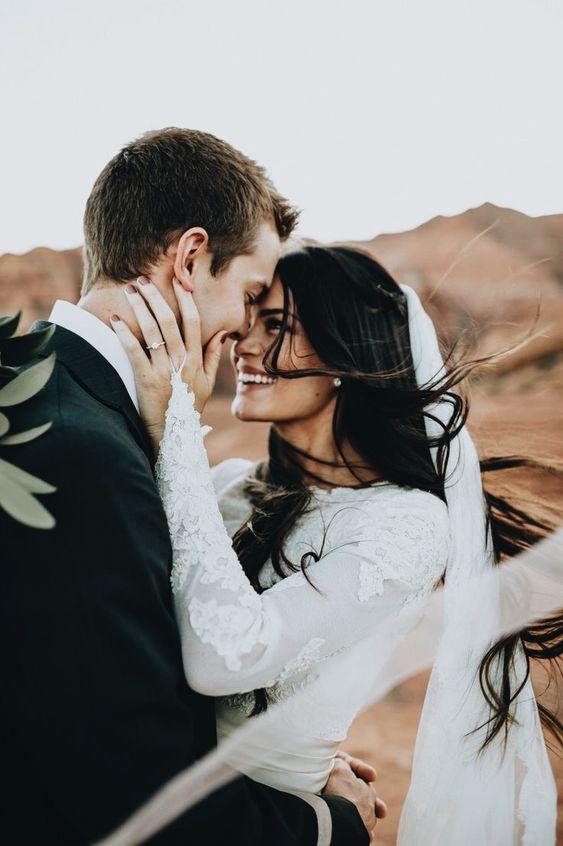 Trouwen, bruiloft, huwelijk, bruidspaar, trouwjurk, bruidsjurk, bruidswinkel, trouwwinkel