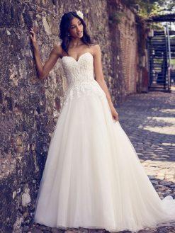 Maggie-Sottero-Rayna-8MN498-Back Maggie Sottero - trouwjurk - bruidsjurk - trouwen - bruidszaak - bruidswinkel