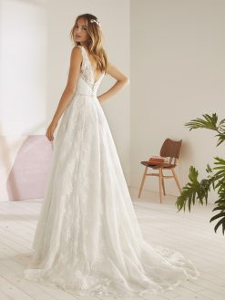 Ojeda White One, trouwjurk, bruidsjurk, trouwen, verloofd, bruidszaak, mariage bruidsmode;