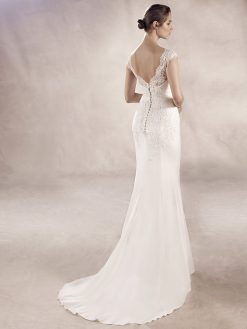 Yuriana White One, trouwjurk, bruidsjurk, trouwen, verloofd, bruidszaak, mariage bruidsmode;