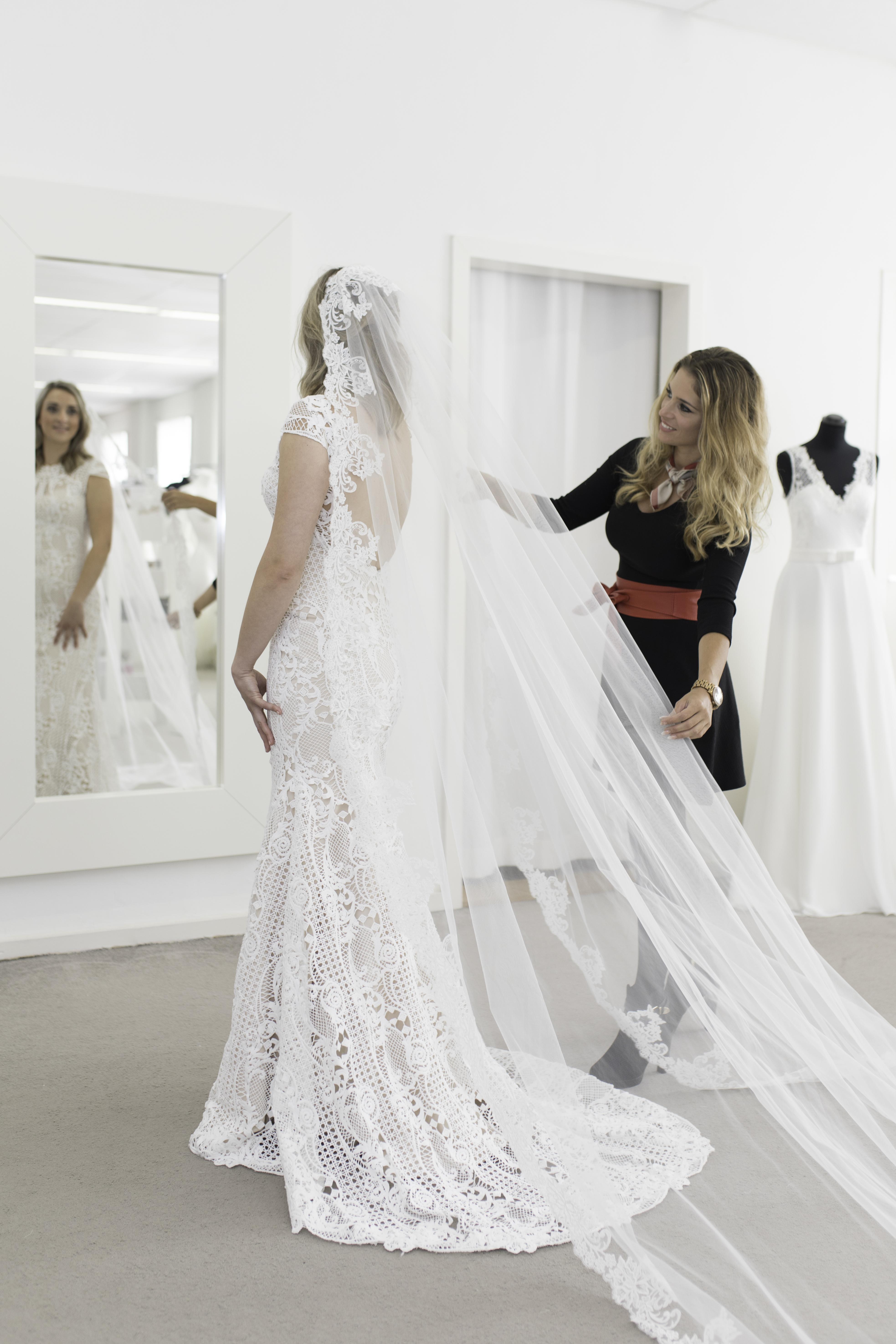 bruidsmode, trouwen, trouwjurk, bruidsjurk, vacature bruidswinkel, vacature bruidsmode