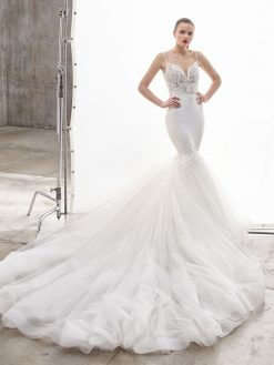 Naya, Blue by Enzoani, trouwjurk, bruidsjurk, trouwen, verloofd, bruidszaak, mariage bruidsmode;