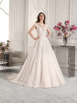 Demetrios 822, trouwen, trouwjurk, bruidsjurk, verloofd, bruidszaak, bruidswinkel