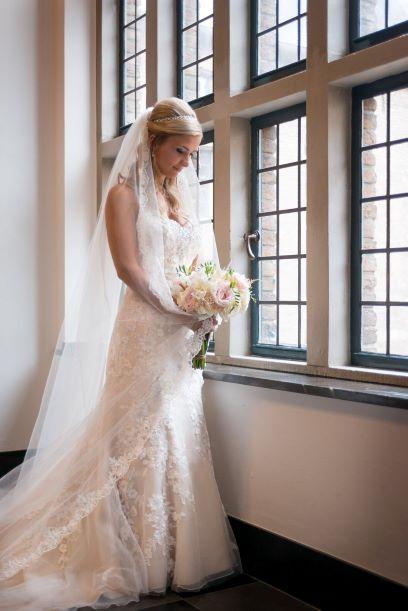 Bruidsmode En Gelegenheidskleding Van Topmerken Mariage