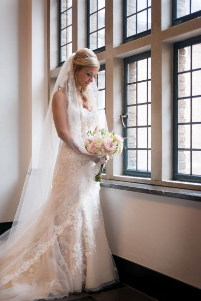 Bruidsjurken Leiden.Bruidsmode En Gelegenheidskleding Van Topmerken Mariage Bruidsmode