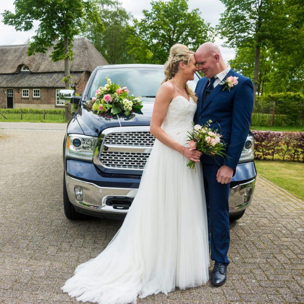mariage bruidjes, echte bruiden, mooi bruidspaar, bruidspaar, romantisch bruidspaar, mariage bruidsmode
